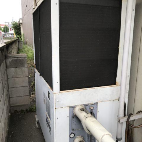 老朽化して効率の悪くなった冷却用のチラー